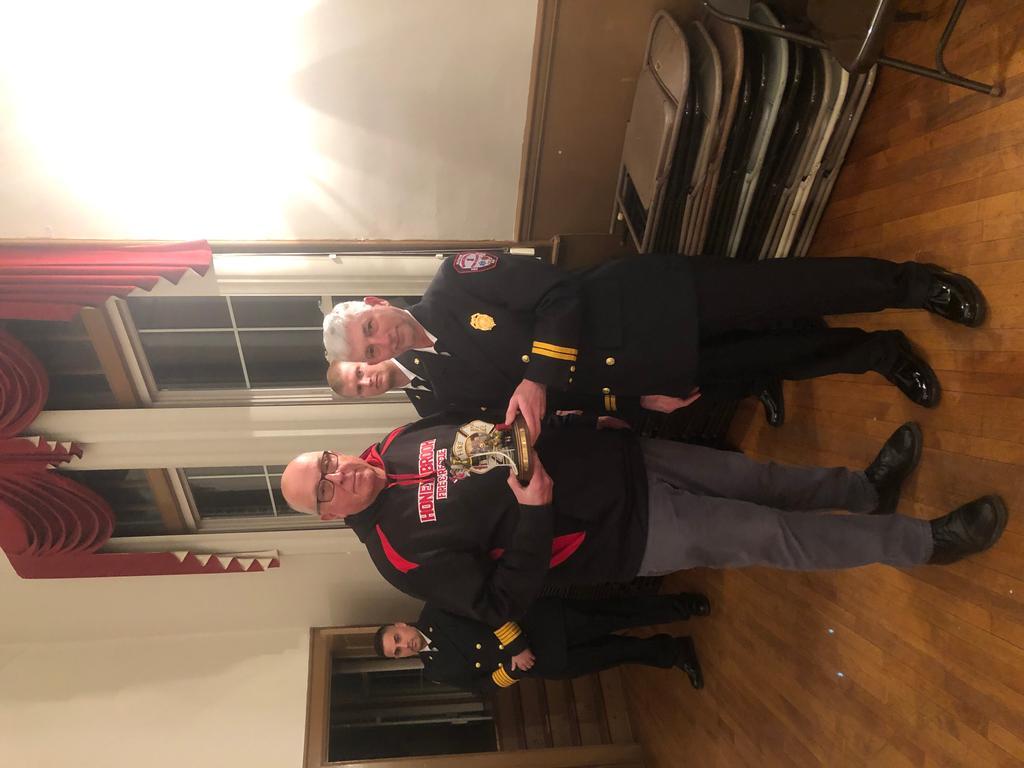 Art Pecht receiving the  Lester Baxter Memorial Award